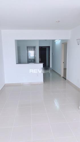 Căn hộ tầng 9 chung cư Bàu Cát 2 hướng Đông Nam, nội thất cơ bản.