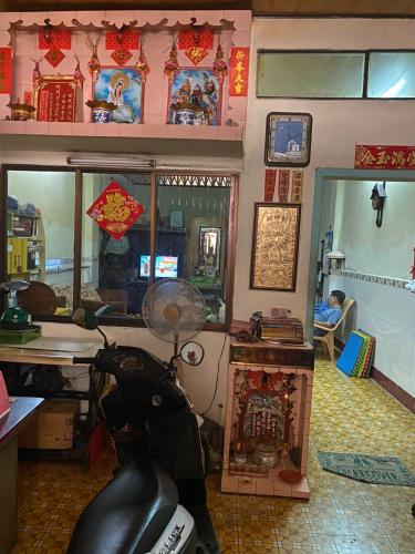 Bán nhà hẻm 27 Xóm Vôi, quận 5, sổ hồng, cách chợ Kim Biên 600m, sổ hồng chính chủ
