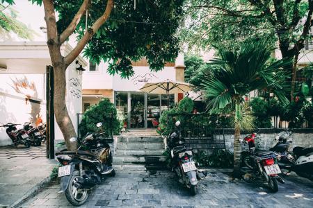 Bán nhà phố đường Lê Thị Kỉnh 7PN, có sân vườn rộng, thuận lợi kinh doanh, sổ đỏ chính chủ
