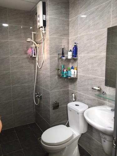 Phòng tắm căn hộ Thủ Thiêm Garden Căn hộ Thủ Thiêm Garden hướng cửa Tây Nam, nội thất cơ bản.