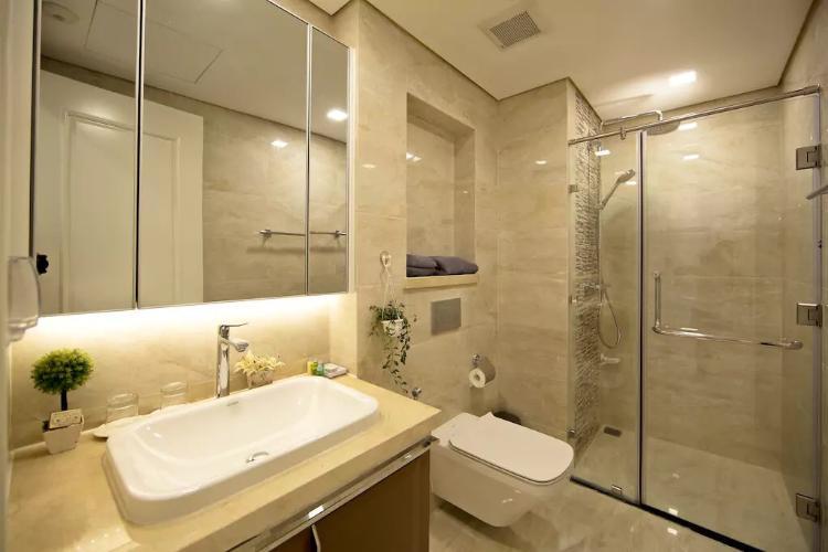 Phòng tắm căn hộ Vinhomes Golden River Bán căn hộ Vinhomes Golden River tầng cao, diện tích 45m2 - 1 phòng ngủ, đầy đủ nội thất.