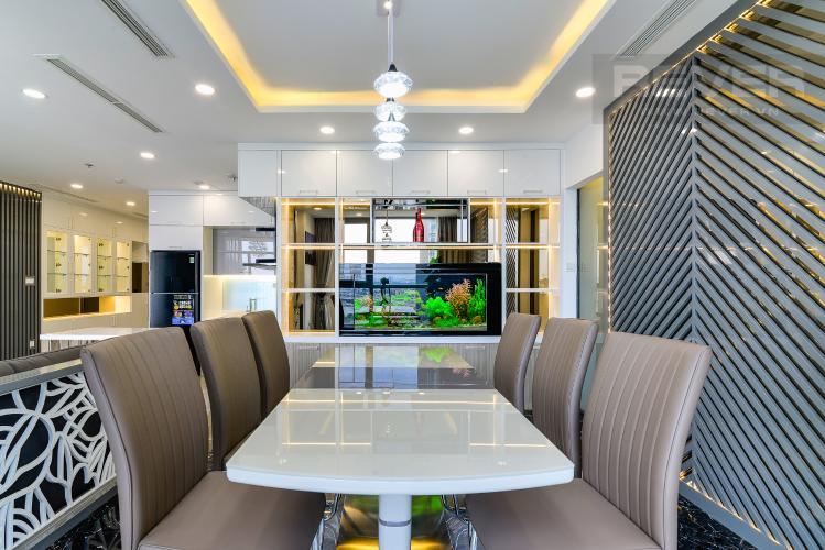 Phòng Ăn Cho thuê căn hộ Vinhomes Central Park tầng cao, tháp Landmark 2 2PN, đầy đủ nội thất