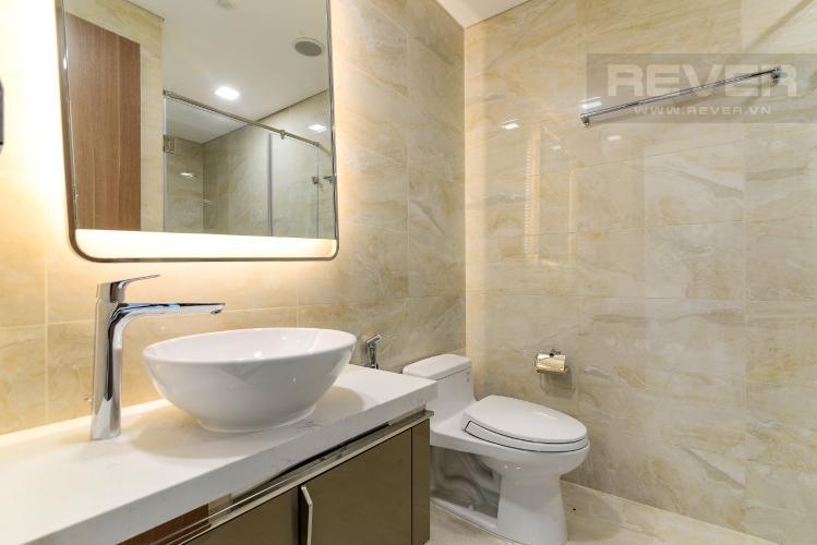 Phòng Tắm 2 Bán hoặc cho thuê căn hộ Vinhomes Central Park 3PN, tháp Landmark 81, view sông và công viên