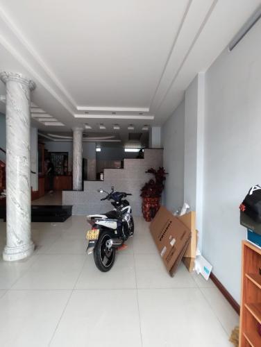 Phòng khách nhà phố Gò Vấp Bán nhà 3 tầng đường Phan Văn Trị, khu nhà ở Quân Đội, Gò Vấp, diện tích 199m2, cách Vincom Gò Vấp 500m