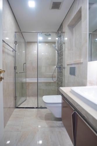 Phòng tắm Vinhomes Golden River, Quận 1 Căn hộ tầng cao Vinhomes Golden River đầy đủ nội thất.