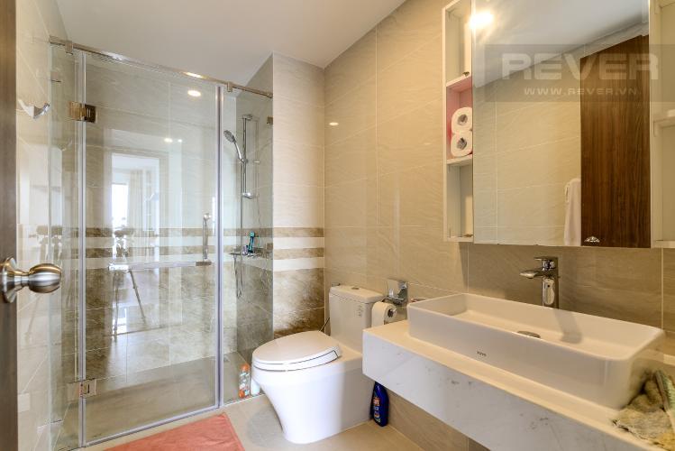 Phòng Tắm 2 Cho thuê căn hộ Saigon Royal 2PN, tháp A, đầy đủ nội thất, view Bitexco và sông Sài Gòn