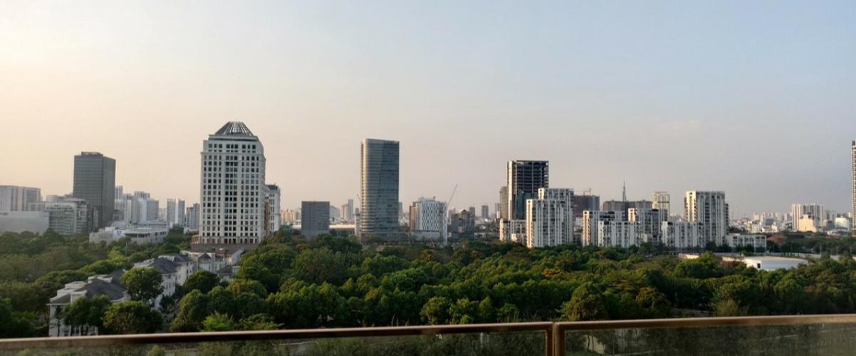 View nhìn ra phía ngoài căn hộ Midtown Căn hộ Phú Mỹ Hưng Midtown nội thất cơ bản, view thành phố.
