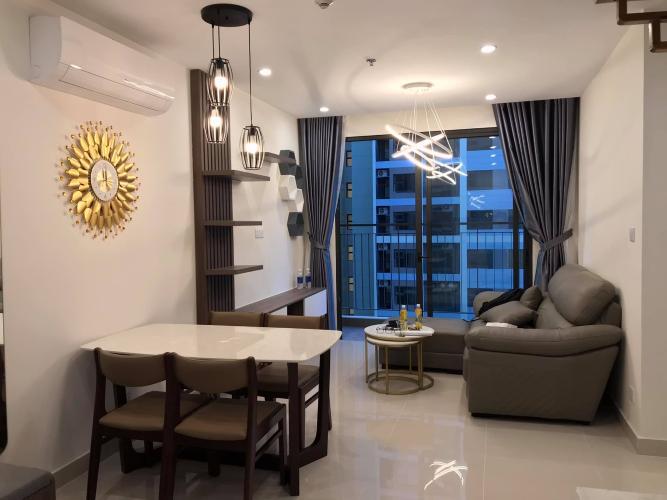 Căn hộ Vinhomes Grand Park tầng cao, nội thất đầy đủ.