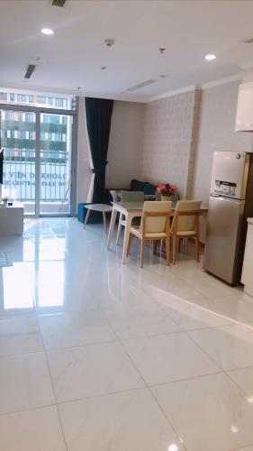 Phòng khách Vinhomes Central Park Căn hộ Vinhomes Central Park nội thất hiện đại, view nội khu mát mẻ.
