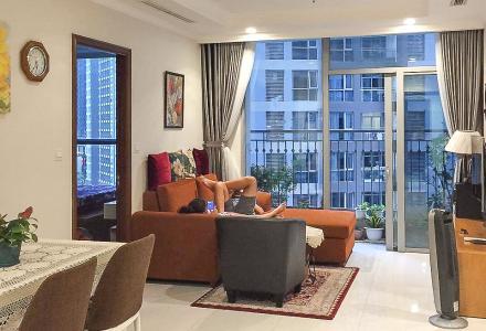 Bán căn hộ Vinhomes Central Park 2PN cho Người Nước Ngoài, tháp The Central 2, đầy đủ nội thất, hướng Đông Bắc đón gió