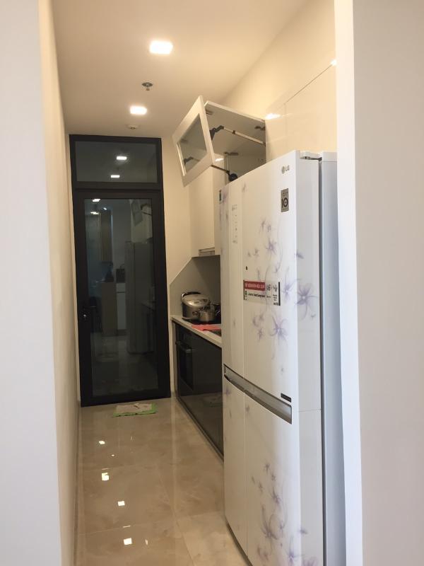 bae915160171e72fbe60 Cho thuê căn hộ Vinhomes Golden River 2PN, tầng thấp, đầy đủ nội thất, view Landmark 81