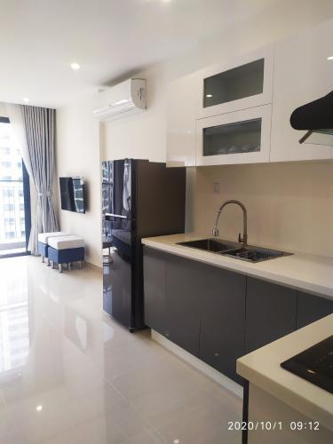 Phòng khách căn hộ Vinhomes Grand Park Căn hộ tầng cao Vinhomes Grand Park nội thất đầy đủ, view nội khu.