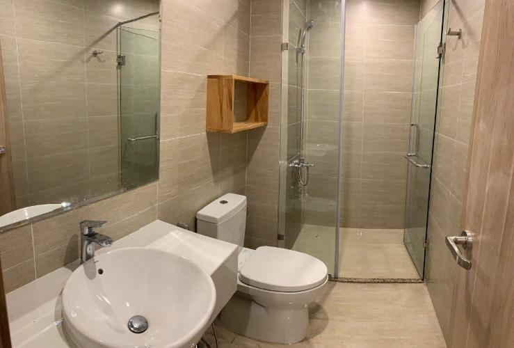 Nhà wc căn hộ Vinhomes Grand Park Căn hộ Vinhomes Grand Park tầng 24, nội thất cơ bản, view thành phố.