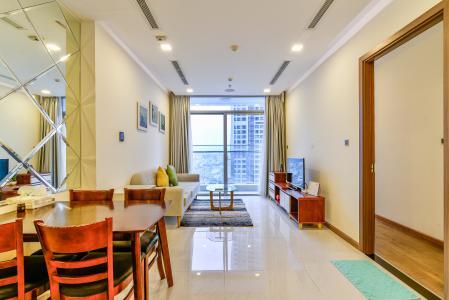 Bán và cho thuê căn hộ Vinhomes Central Park tầng cao 2PN đầy đủ nội thất