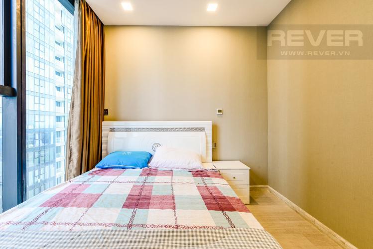 Phòng ngủ 2 Căn hộ Vinhomes Golden River tầng cao tháp The Aqua 1, 2PN nội thất đầy đủ