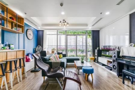 Căn hộ Vinhomes Central Park 3 phòng ngủ tầng trung C3 nội thất đầy đủ