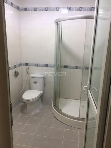 Phòng tắm căn hộ Tân Phước Plaza, Quận 11 Căn hộ Tân Phước Plaza ban công hướng Tây, đầy đủ tiện nghi.