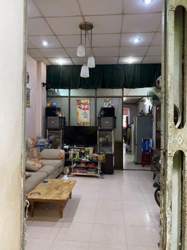 Phòng khách Bán nhà phố đường Phan Tôn phường Đa kao quận 1, 1 phòng ngủ, diện tích đất 56.18m2, sổ đỏ đầy đủ.