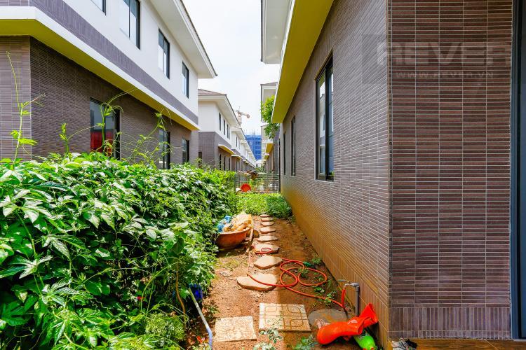 Lối Đi Bên Hông Nhà Biệt thự 5 phòng ngủ dự án Valora Kikyo diện tích 290m2