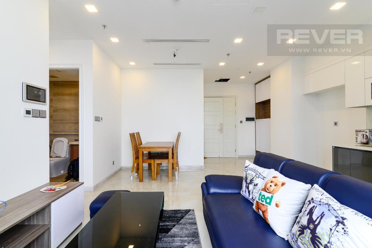 3 Cho thuê căn hộ Vinhomes Golden River 2PN, tầng trung, đầy đủ nội thất, view sông và Landmark 81
