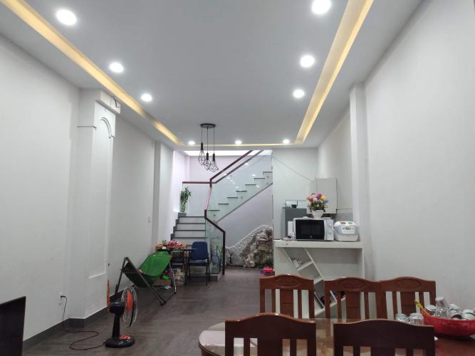 Nhà phố 1 trệt 1 lầu kế chợ Long Trường, hẻm đường Nguyễn Duy Trinh