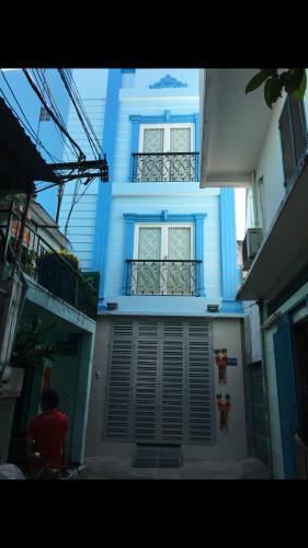 Nhà phố hướng Tây Nam hẻm cụt 4m, diện tích sử dụng 159m2.