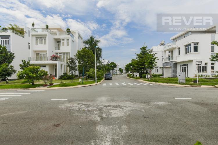 Đường trước nhà Bán biệt thự Villa Park 2 lầu, 4 phòng ngủ, sổ đỏ chính chủ , tiện ích nghỉ dưỡng hiện đại