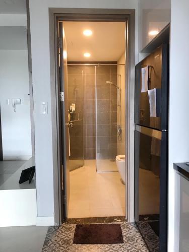 toilet căn hộ LEXINGTON RESIDENCE Bán căn hộ Lexington Residence 1PN, tầng 9, đầy đủ nội thất, ban công Đông Nam