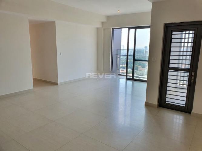 Căn hộ Urban Hill tầng thấp, nội thất cơ bản, lót sàn gỗ.