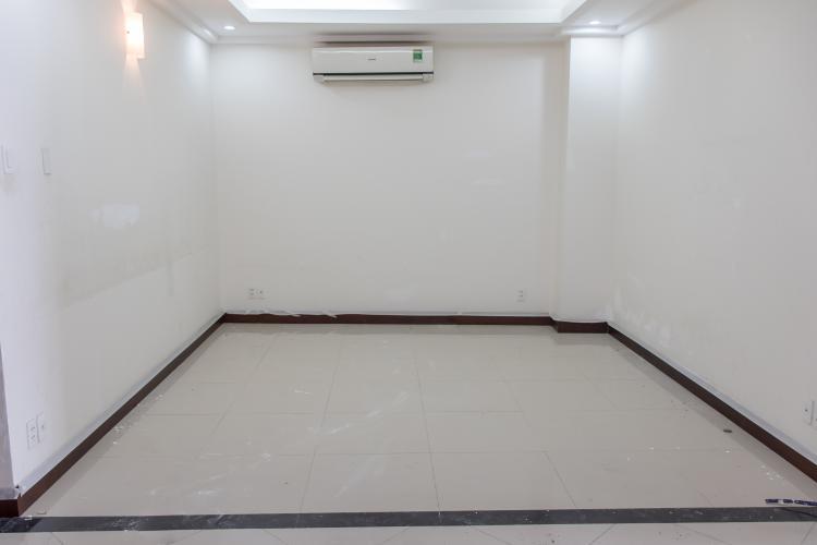 Bán căn hộ Him Lam Riverside 2PN, diện tích 111m2, nội thất cơ bản, view hồ bơi nội khu