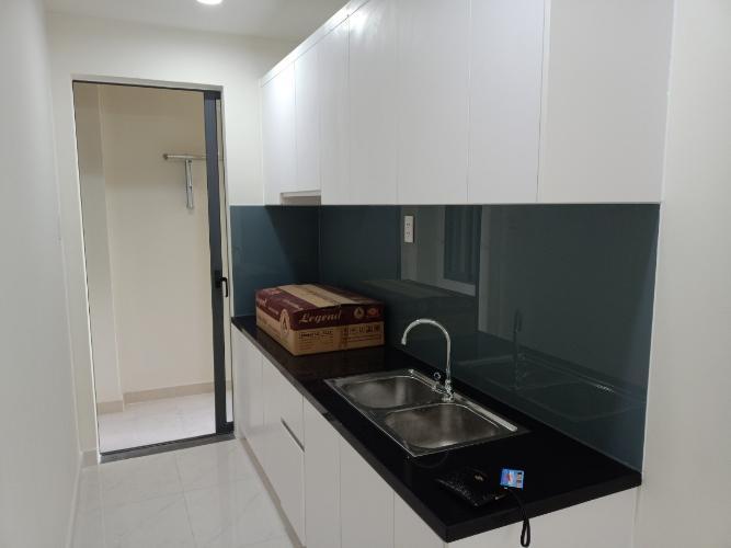 Phòng bếp căn hộ Green River, Quận 8 Căn hộ Green River hướng ban công Đông Nam, view nội khu.