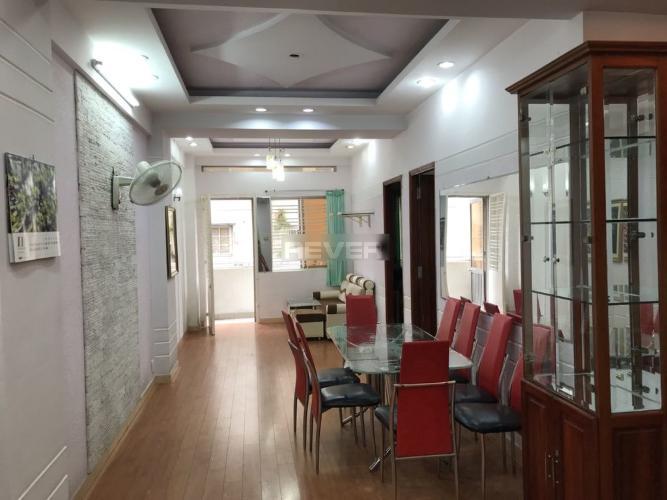 Phòng khách căn hộ chung cư Ngô Tất Tố, Bình Thạnh Căn hộ chung cư Ngô Tất Tố bàn giao đầy đủ nội thất, 2 phòng ngủ.