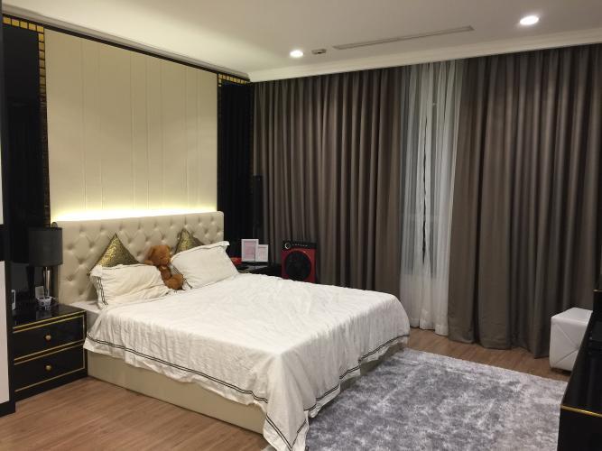 Phòng ngủ Vinhomes Central Park Căn hộ Vinhomes Central Park tầng trung, đầy đủ nội thất.
