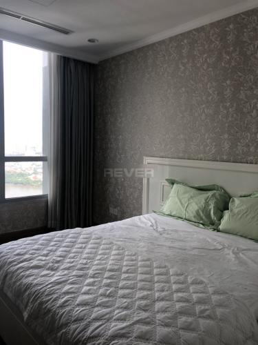 Phòng ngủ Vinhomes Central Park Căn hộ Vinhomes Central Park hướng Đông Bắc, view nội khu và sông.