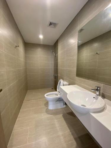 Toilet Vinhomes Grand Park Quận 9 Căn hộ Vinhomes Grand Park tầng cao, ban công rộng rãi, 3 phòng ngủ.