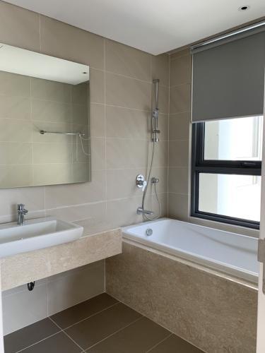 Phòng tắm Diamond Island Quận 2 Căn hộ Đảo Kim Cương đầy đủ nội thất, view thành phố.