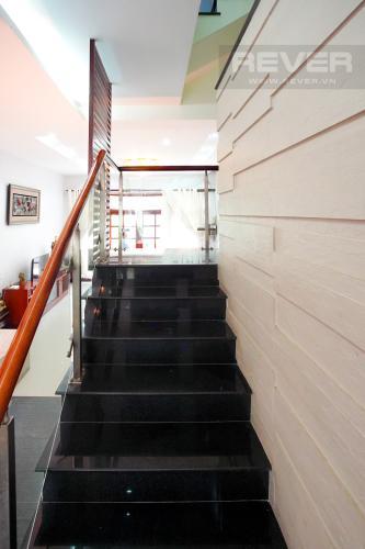 Lối Cầu Thang Cho thuê nhà phố 4 tầng đường 19, Q2, đầy đủ nội thất, view Landmark 81