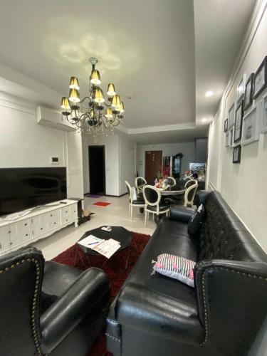 Bán căn hộ The Gold View thuộc tầng trung, 2 phòng ngủ, diện tích 85m2, đầy đủ nội thất.