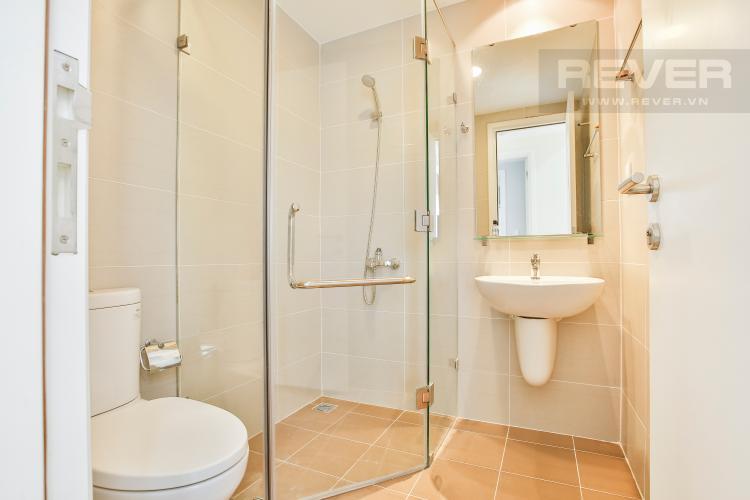 Toilet 1 Căn hộ Masteri Thảo Điền tầng cao T1 sở hữu 2 view đẹp về Quận 1 và sông Sài Gòn