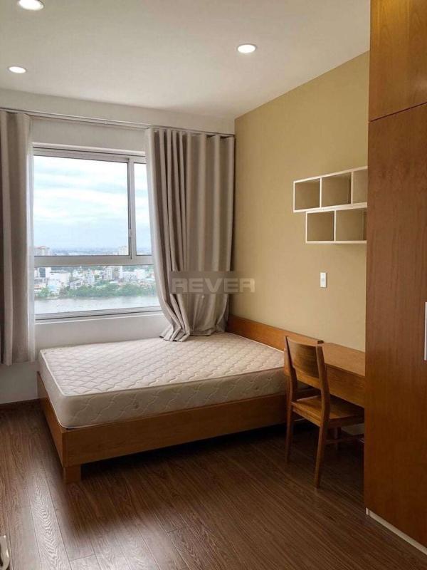 Bán căn hộ Tropic Garden tầng cao view sông đầy đủ nội thất.