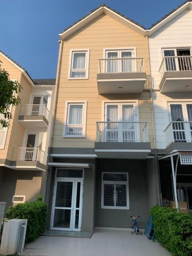 mặt tiền nhà phố park riverside Nhà phố Park Riverside Tân Cảng đầy đủ nội thất, hiện đại.
