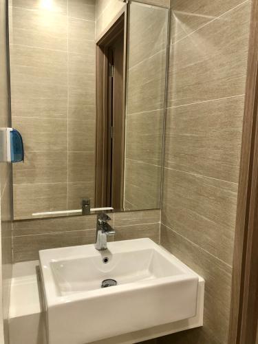 Toilet Vinhomes Grand Park Quận 9 Căn hộ Vinhomes Grand Park đầy đủ nội thất, hướng nội khu.