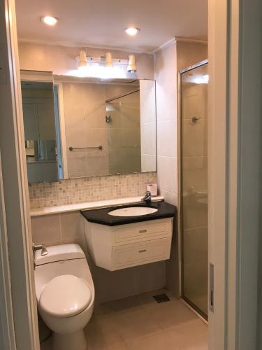 Phòng tắm The Manor Quận Bình Thạnh Căn hộ The Manor tầng cao, nội thất sang trọng, view thành phố.