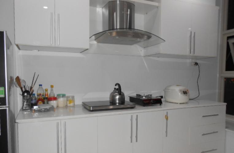 Phòng bếp La Casa, Quận 7 Căn hộ La Casa tầng trung, ban công hướng Nam view thành phố.