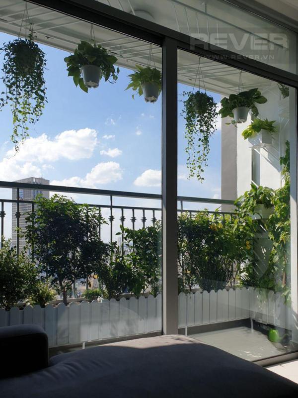 View Cho thuê căn hộ Vinhomes Central Park 3PN, tầng thấp, đầy đủ nội thất, view thành phố