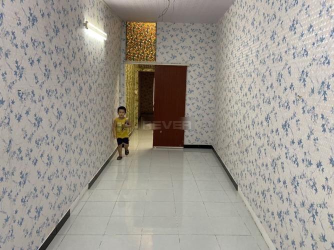 Phòng ngủ nhà phố Bùi Đình Túy, Bình Thạnh Nhà phố trung tâm Bình Thạnh, nội thất cơ bản, hướng Đông.