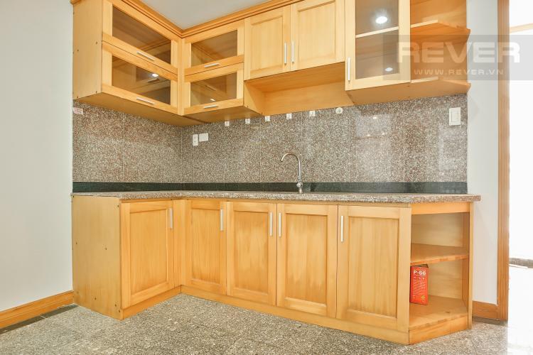 Bếp Căn góc Phú Hoàng Anh 3 phòng ngủ tầng trung tòa B2 nội thất cơ bản