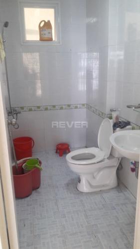 Phòng tắm Happy City, Bình Chánh Căn hộ Happy City tầng trung, view nội khu thoáng mát.