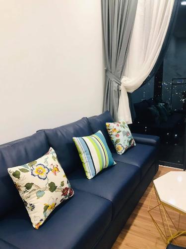 Phòng khách căn hộ Eco Green Saigon Căn hộ Eco Green Saigon đầy đủ nội thất, view thành phố sầm uất.