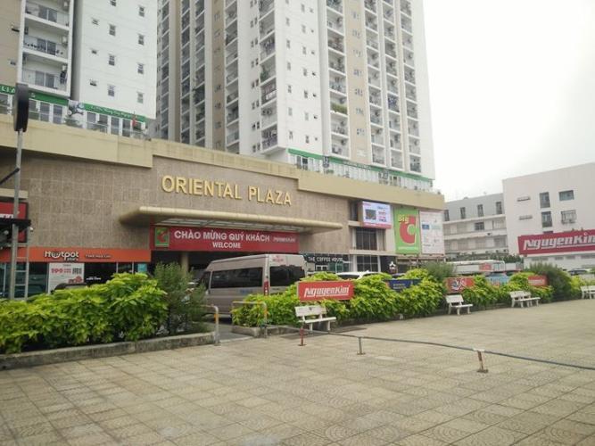 Oriental Plaza, Tân Phú Căn hộ Oriental Plaza tầng cao, view thành phố sầm uất.